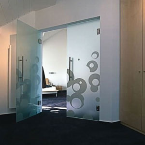staklena vrata-kaljeno staklo