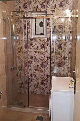 tus kabina-klizna vrata-malo kupatilo-kaljeno staklo-izrada po meri-beograd