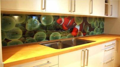kaljeno staklo za kuhinju-dekorativno kaljeno staklo-stampano kaljeno staklo za zid u kuhinji